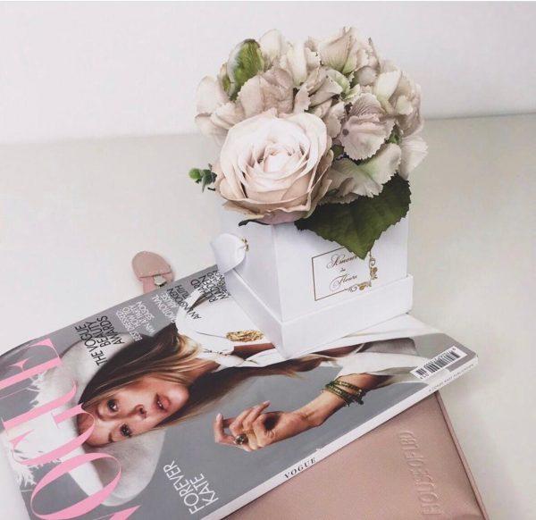 silk flower white petit roses